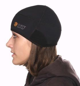 ergonomicky tvarovaná čepice  soft shell, je paropropustná.