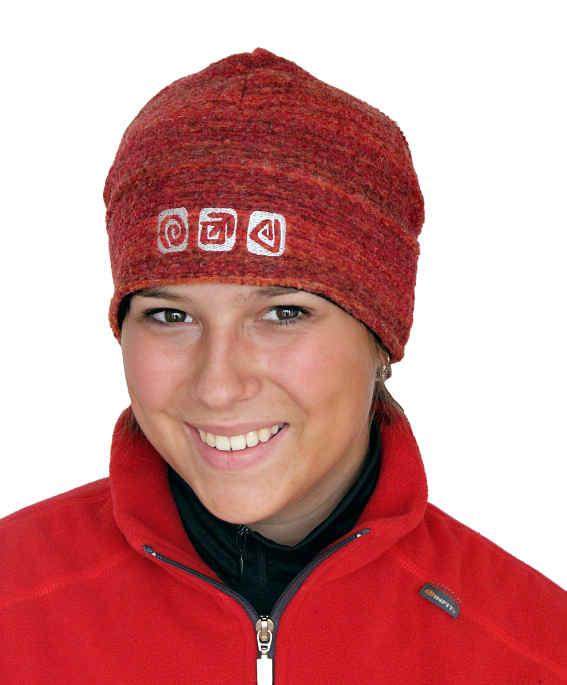 c5953b47a21 Nová dámská čepice s otvorem na culík