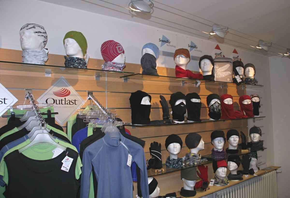 Prodejna Infit sport shop, Šumavská 17 v Šumperku, sportovní oděvy, outdoor.