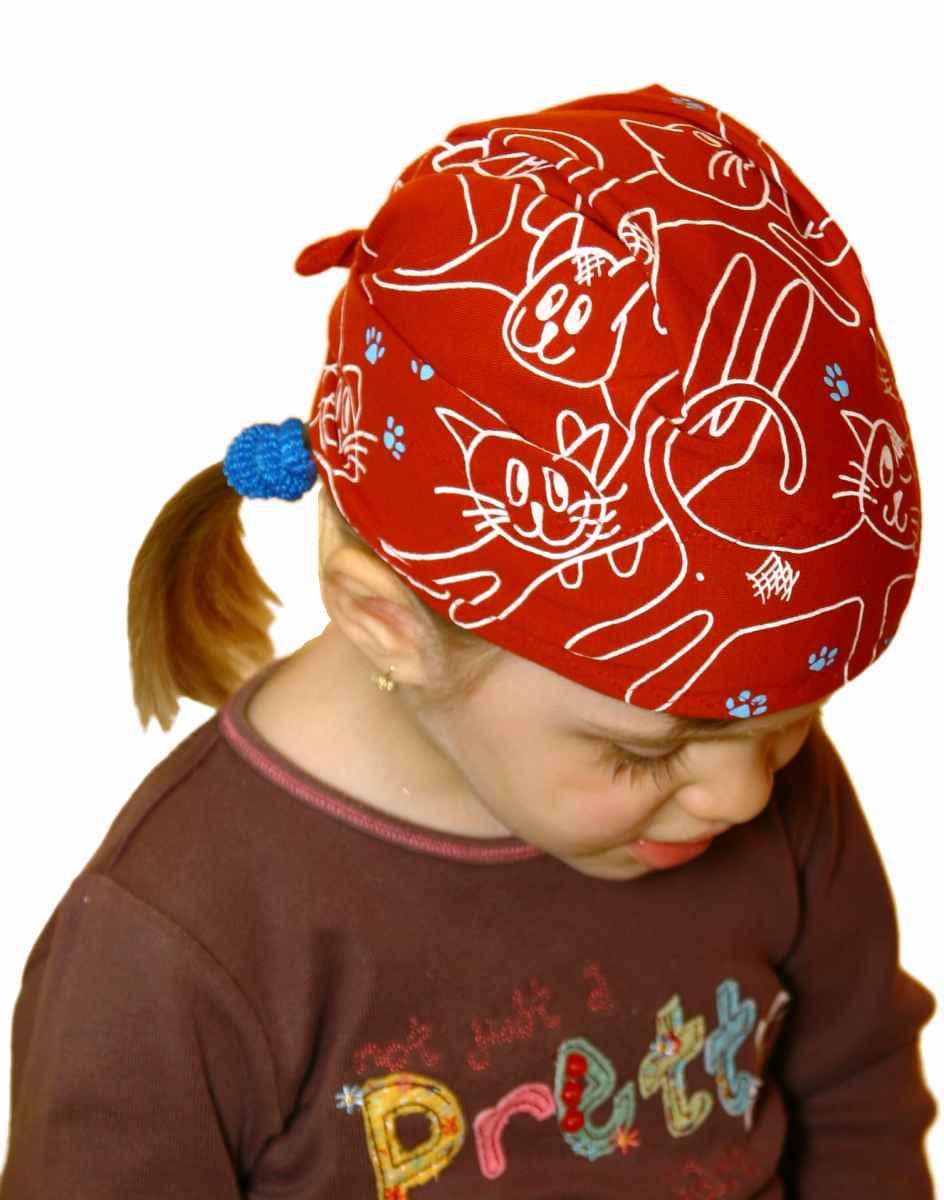 Dětský pirát trojúhelníkový šátek skořicový vzor Kočky 92e75f345e